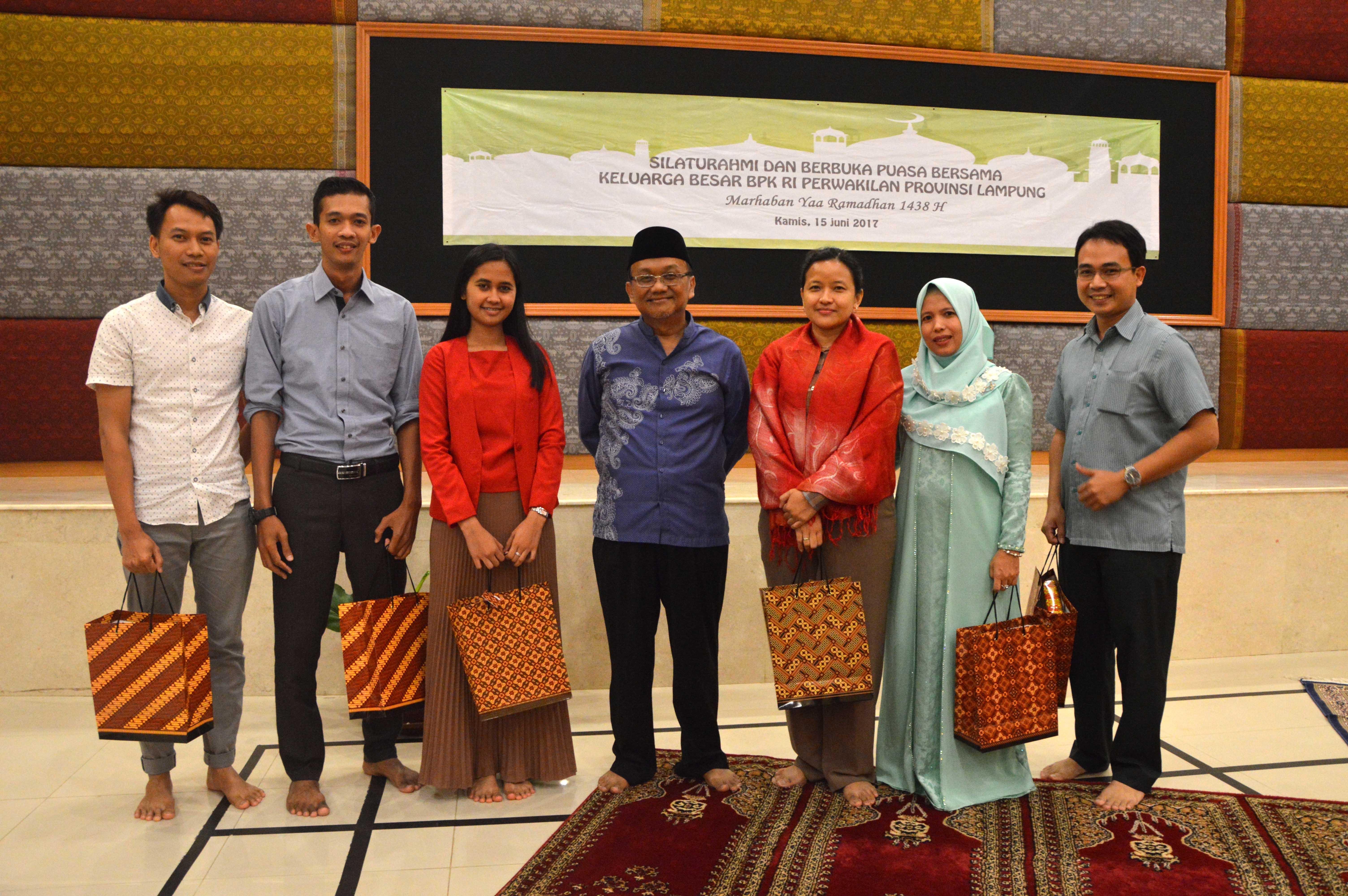 Buka Puasa Bersama Keluarga Besar BPK Perwakilan Provinsi Lampung dan Perpisahan Pegawai